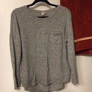 NWOT thin sweater with pocket